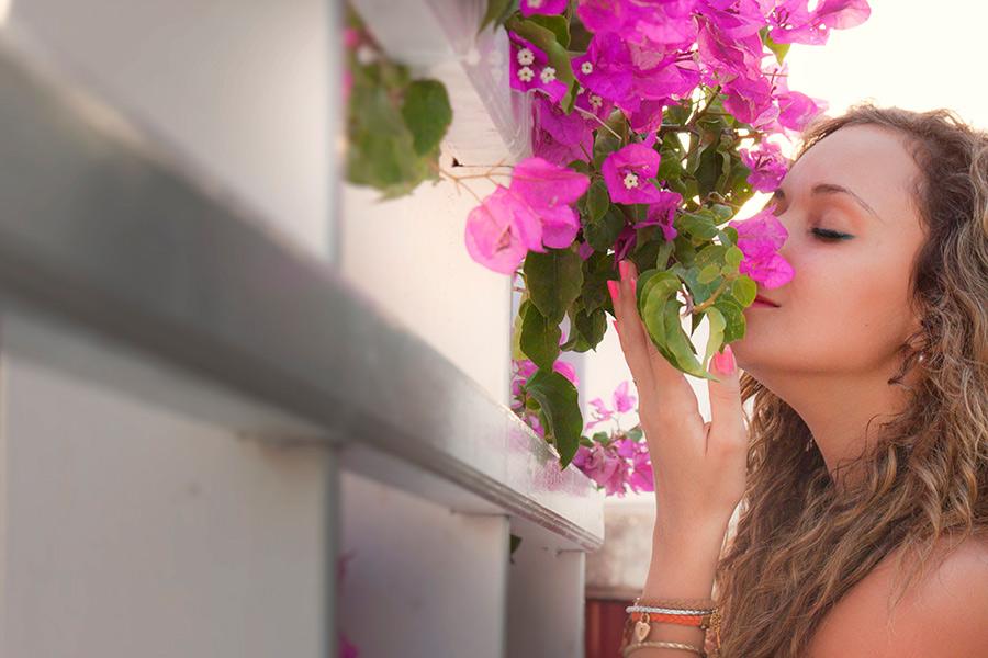 Miral smelling Voukamvilia flower