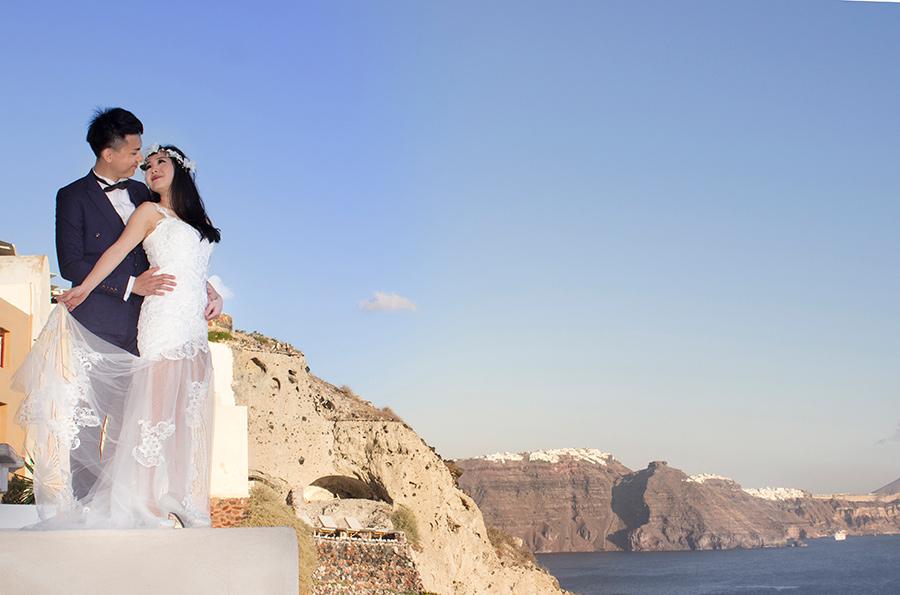 Modern Bride and groom outdoor portrait