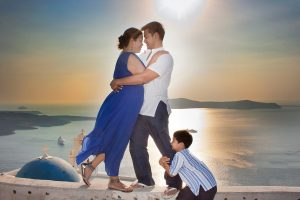 Celebration of family love through a fantastic photo shoot in Santorini