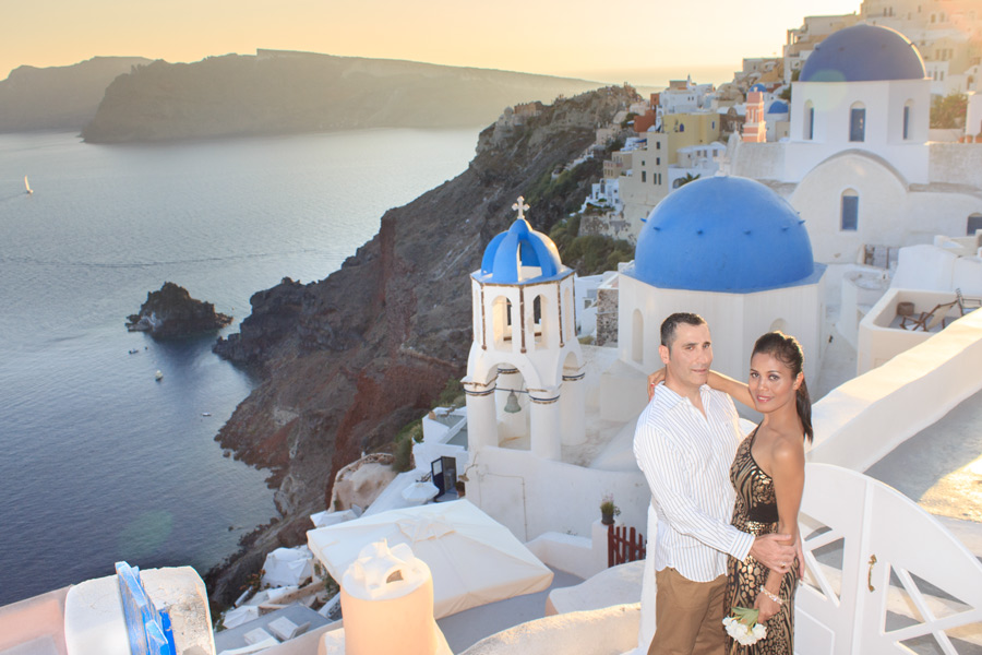 Honeymoon photography in Oia