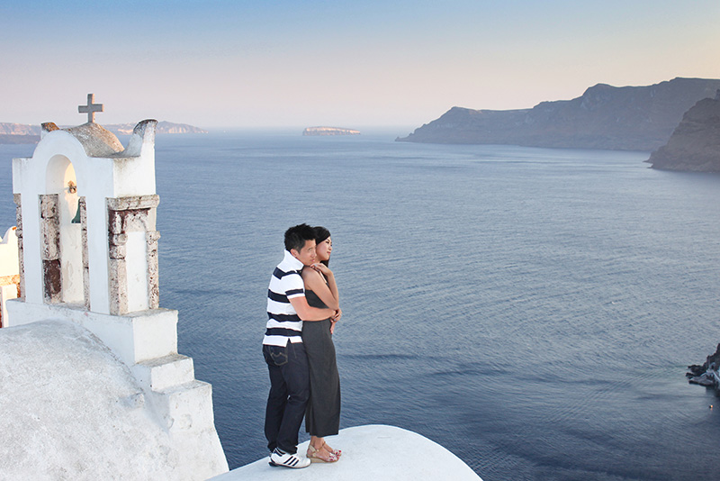 oia honeymoon photoshoot
