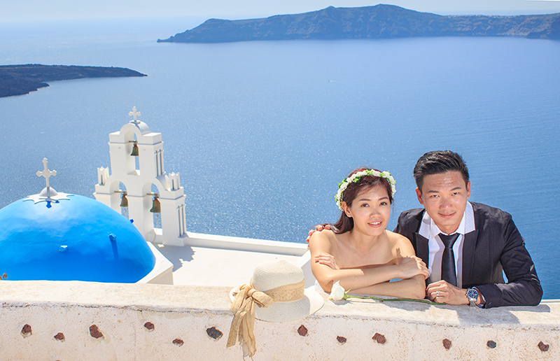 Malaysian couple in Santorini
