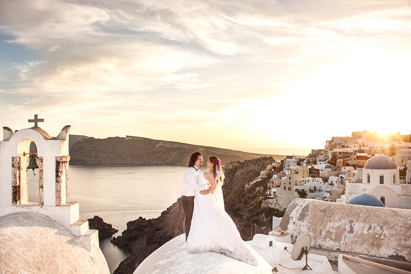 Sensational capture of a santorini wedding during sunset