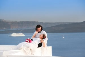 A Nature Couple Photo Session in Santorini