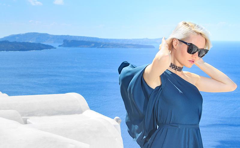 fashion photographer in Santorini Greece