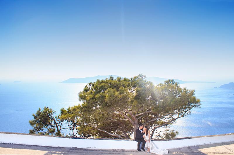 outdoor pre wedding picture greek island