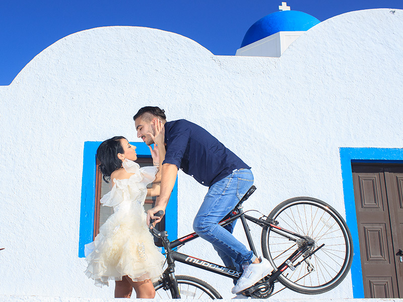 Pre Wedding Photography idea with bicycle