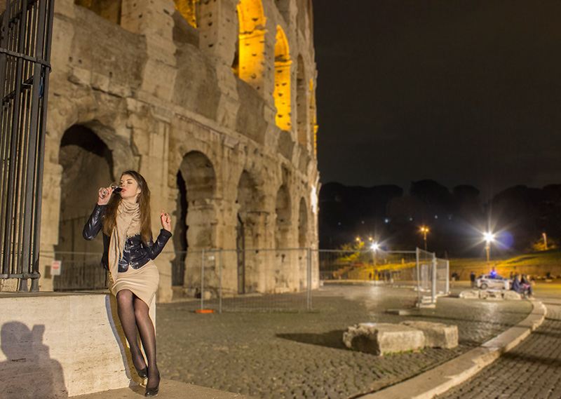 Inna drinking wine Colosseum night photographer