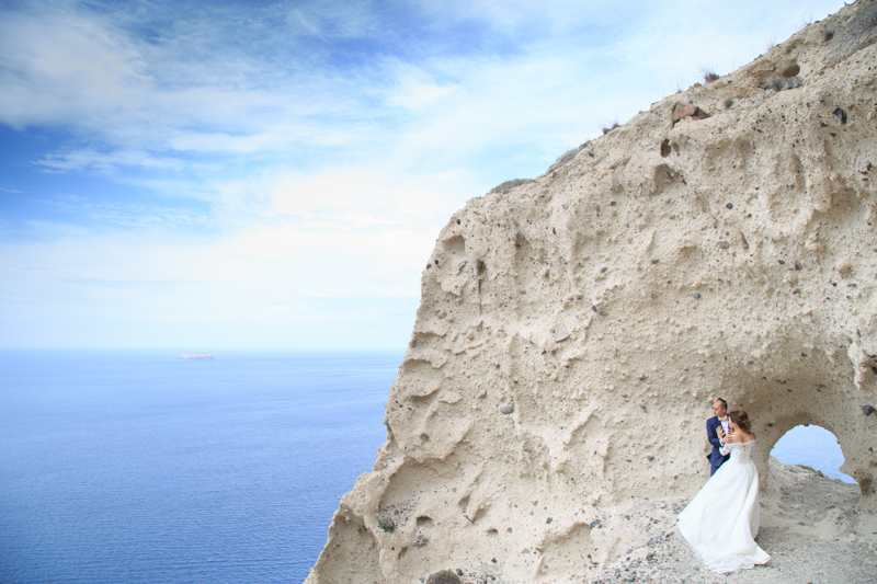 top location to shoot a wedding in Santorini