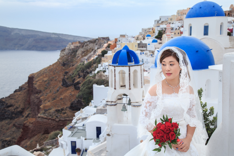 Pre Wedding Outdoor Bridal portrait in Oia