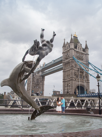 tower bridge london wedding photo