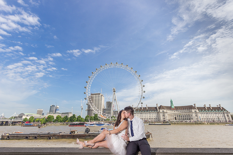 kiss london wedding photographer idea