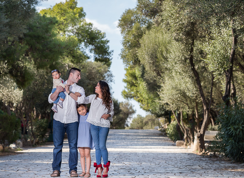family photographer in Greece and Athens outdoors