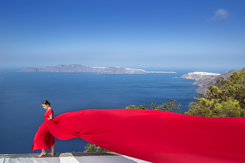 red color flying wedding dress