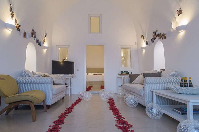 santorini proposal room decoration