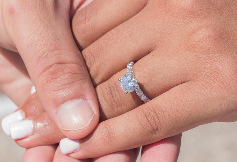finger engagement ring