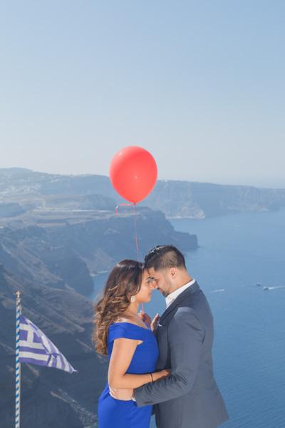 proposal photographer in Santorini