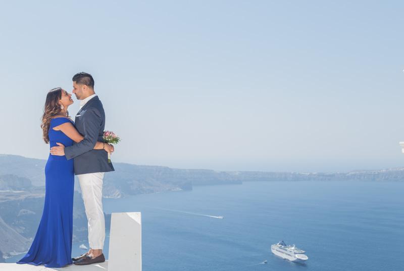 romantic proposal shoot santorini