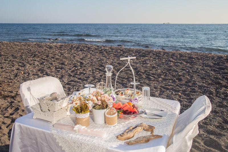beach table proposal santorini