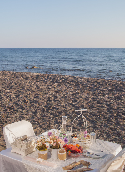 private table lunch beach