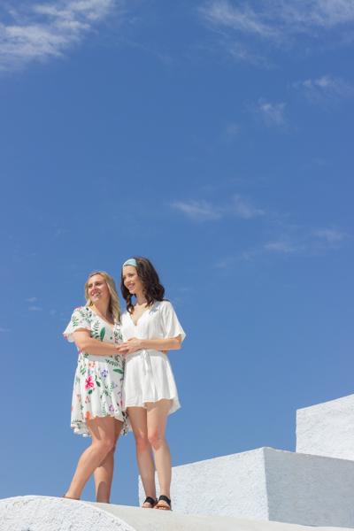 santorini engagement photoshoot greece