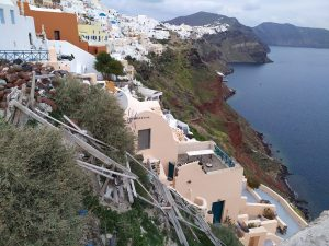 The impact of the Coronavirus in Santorini | Photos Before and After