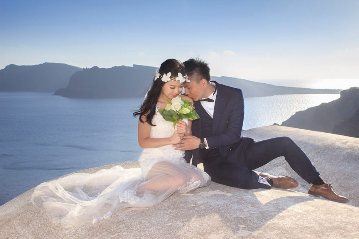 An Amazing Pre-Wedding Journey in Santorini– Alvin and Kiko from Hong Kong