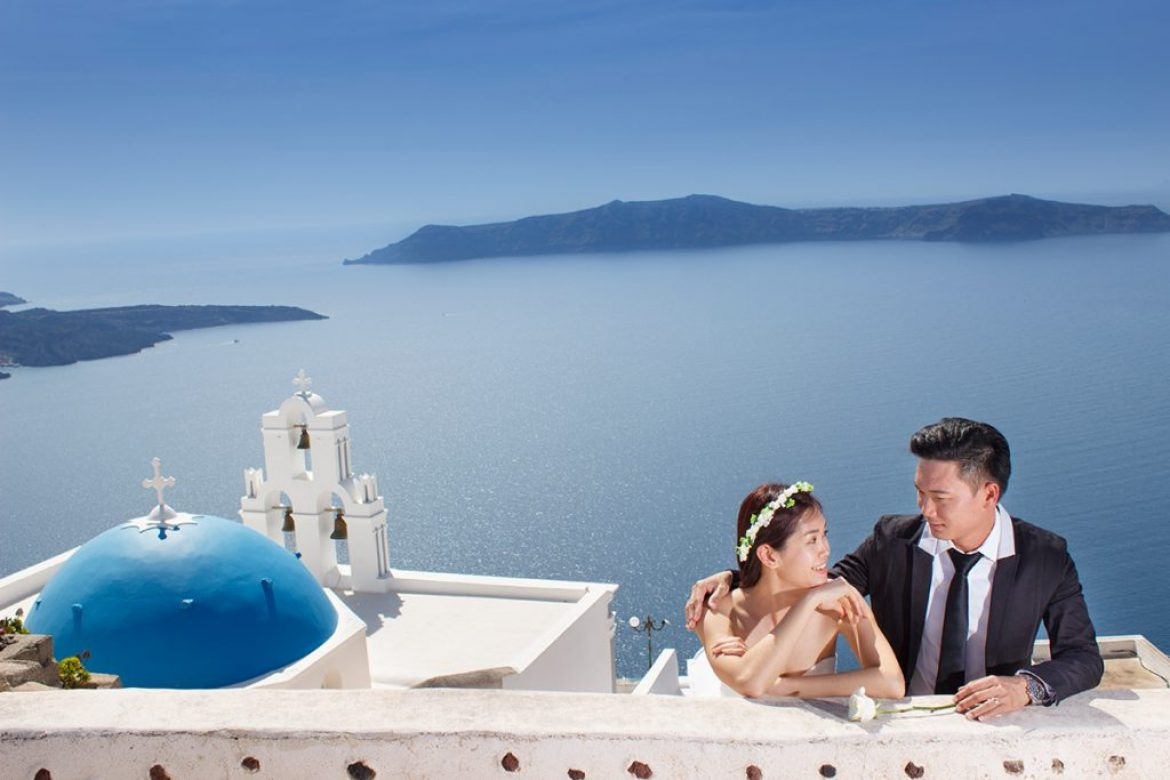 The Pursuit of Happiness | Pre Wedding Photo Shoot in Santorini