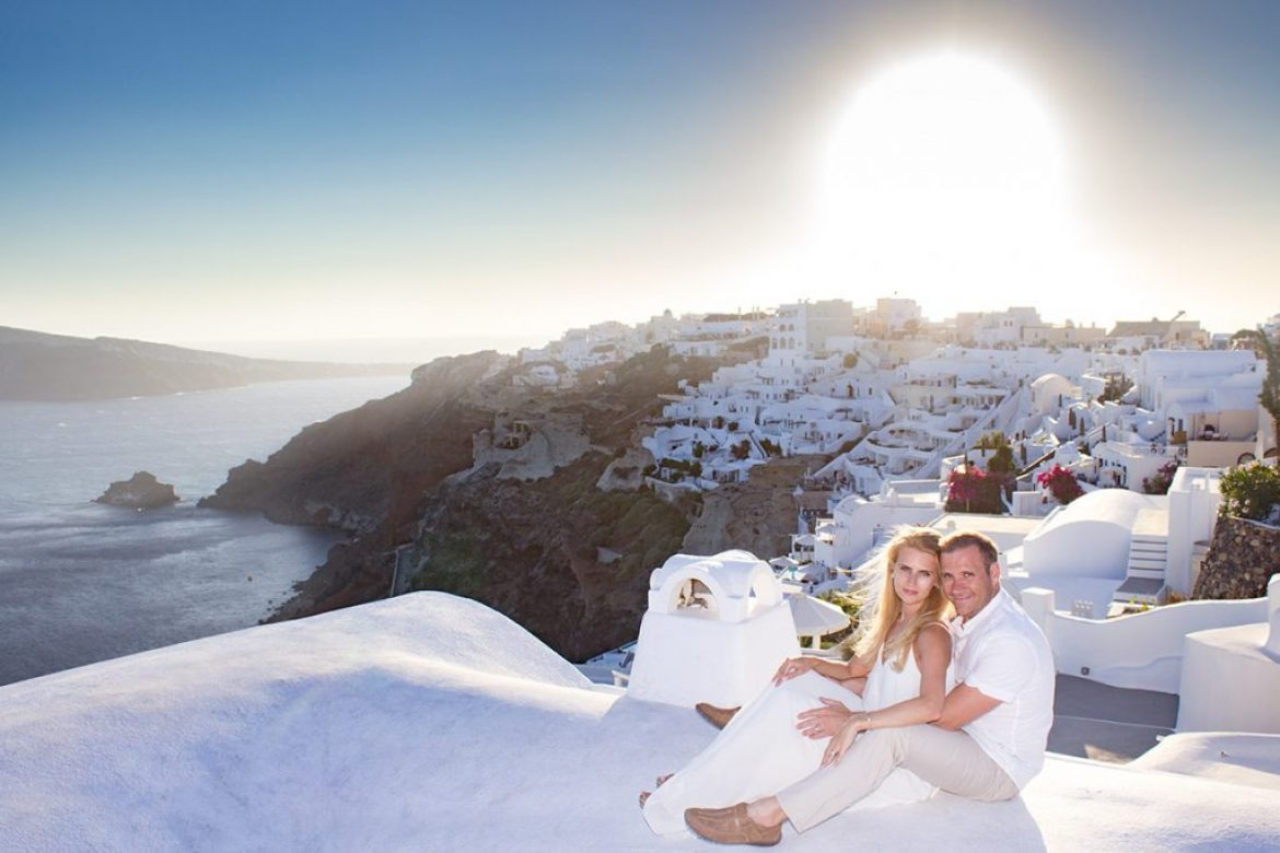 A fairy tale Vacation Photography in Santorini | Once upon a time in Oia village